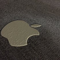 Apple Teeshirt