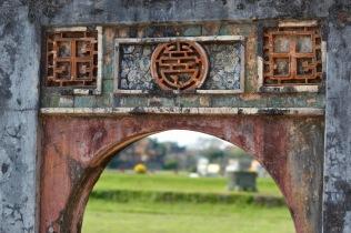 paul-tocatlian-2016-vietnam-hue-palace-door