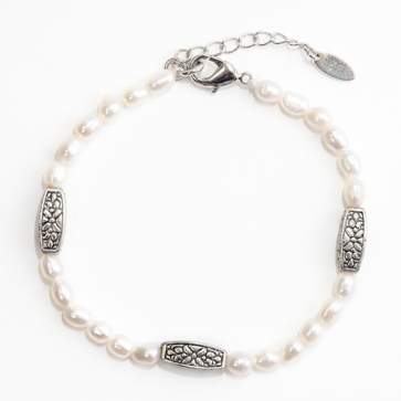 Graceful Pearls Bracelet