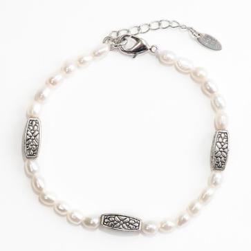 Graceful Pearls Bracelet